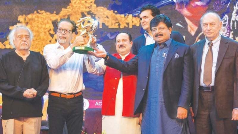 Rahat Fateh Ali Khan Honoured With Lifetime Achievement Award