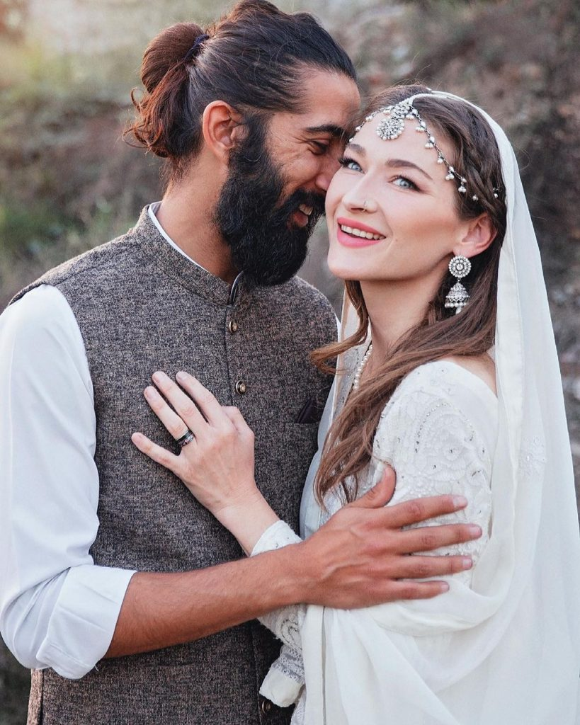 Canadian Traveller Rosie Gabrielle is Married To Pakistani