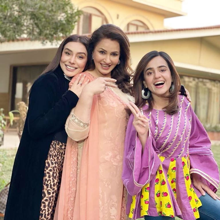 Beautiful Pictures of Saba Faisal With Co-Actors
