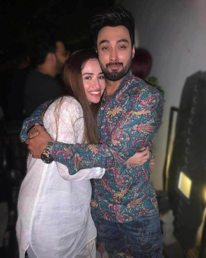 Umair Jaswal Sends Sana Javed A Treat Full Of Love