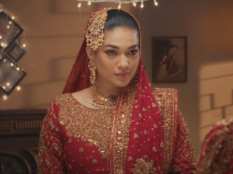 Here Is What Sanam Has To Say About Public Reaction On Drama Serial Qarar