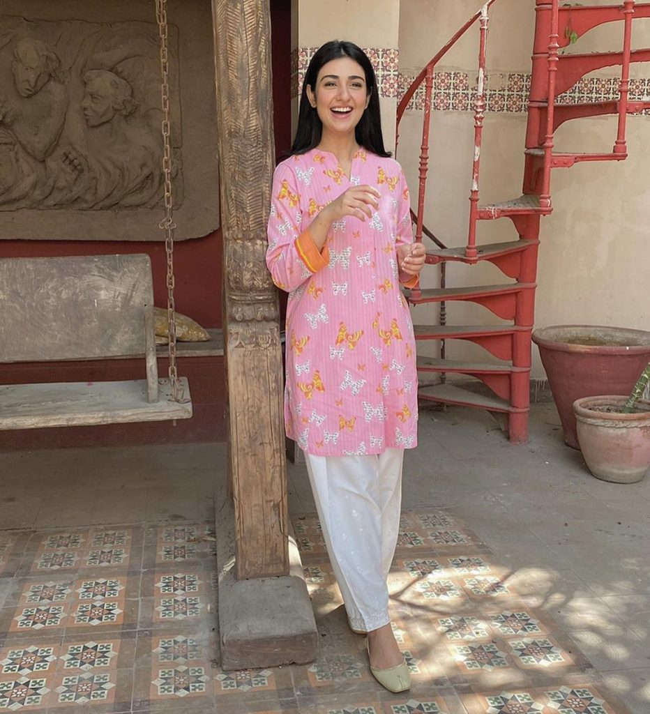 Sarah Khan Dazzles In Both Eastern And Western Looks