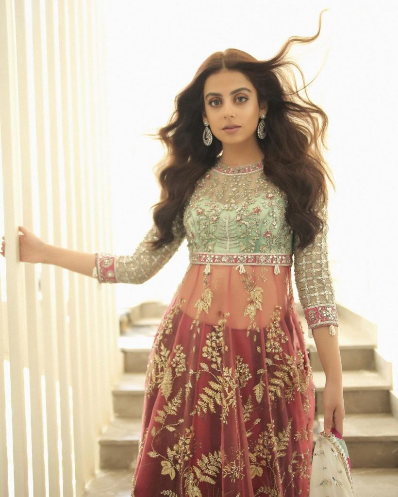 Yashma Gill Looks Exquisite In Her Recent Shoot For Elan