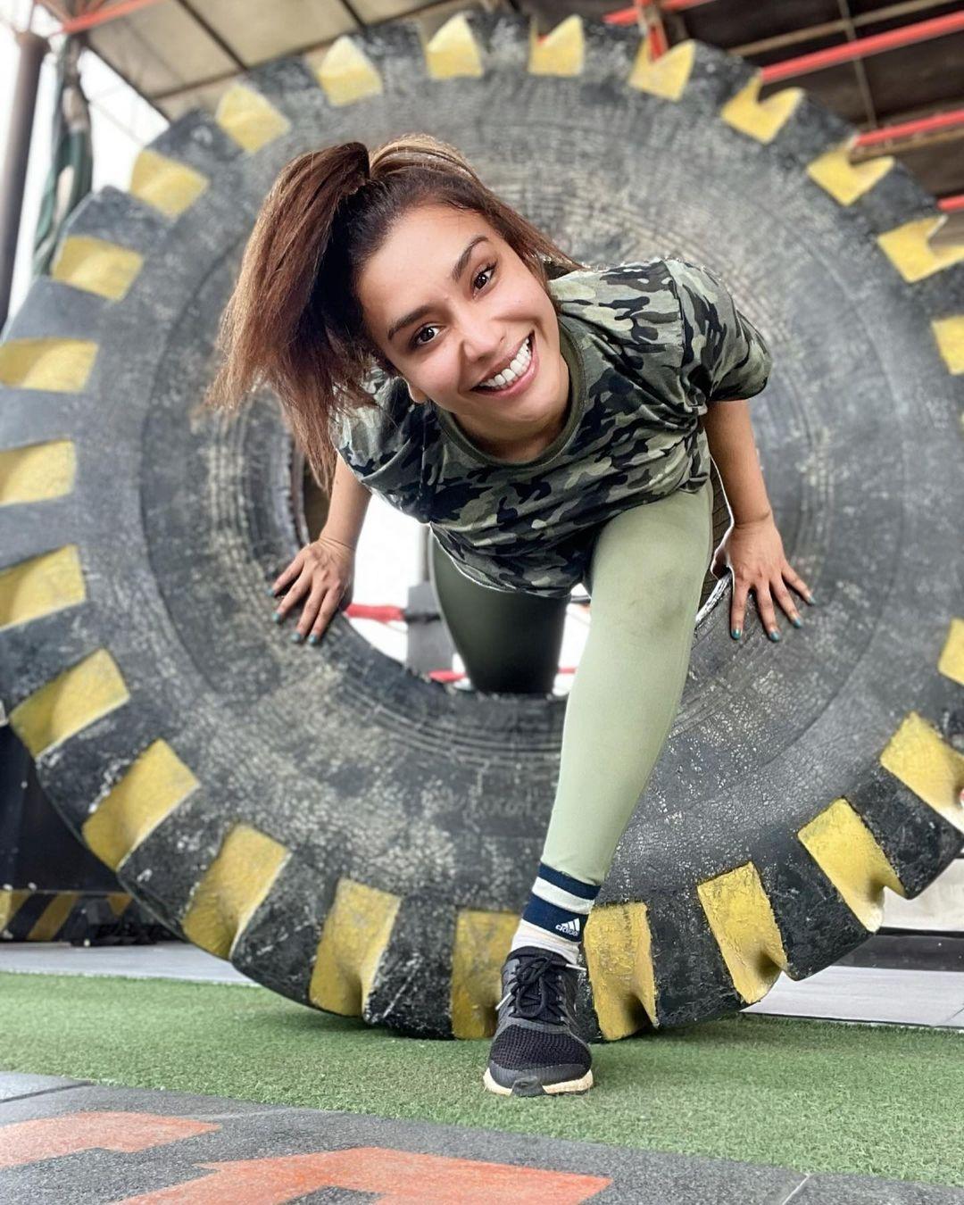 Actress Maira Khan Having Fun Time at Gym