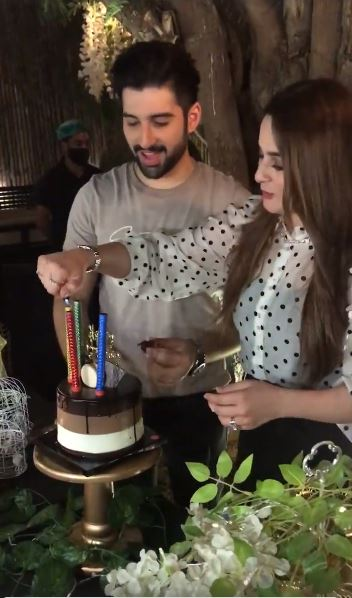 Muneeb Butt Celebrates His Birthday With Friends And Family