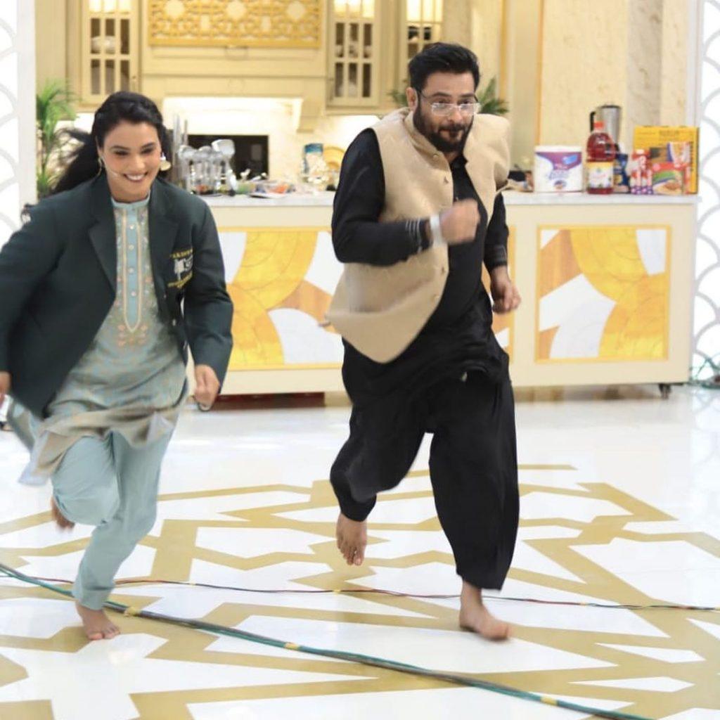 Aamir Liaquat Fell Down During A Live Show