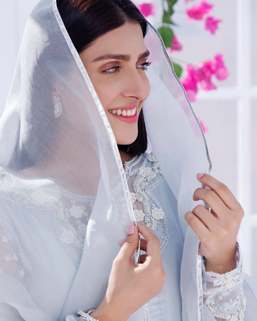 Ayeza Khan Pictures With Mother And Daughter From Iftar Party
