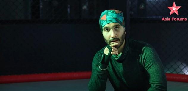 Here Is What Feroze Khan Has To Say About Heart Break