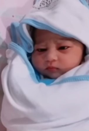 First Look Of Hassan Ali's Daughter