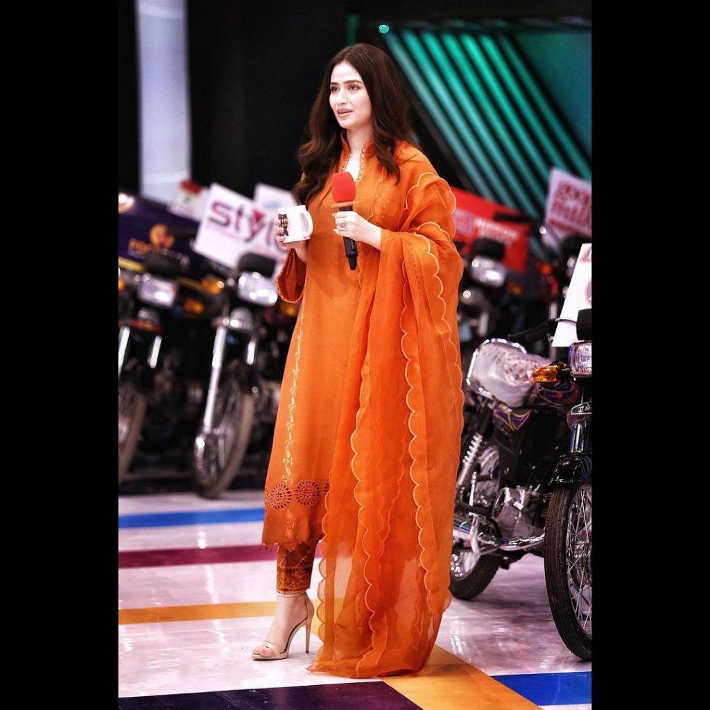 Sana Javed Looks Elegant in Her Recent Appearances In Jeeto Pakistan