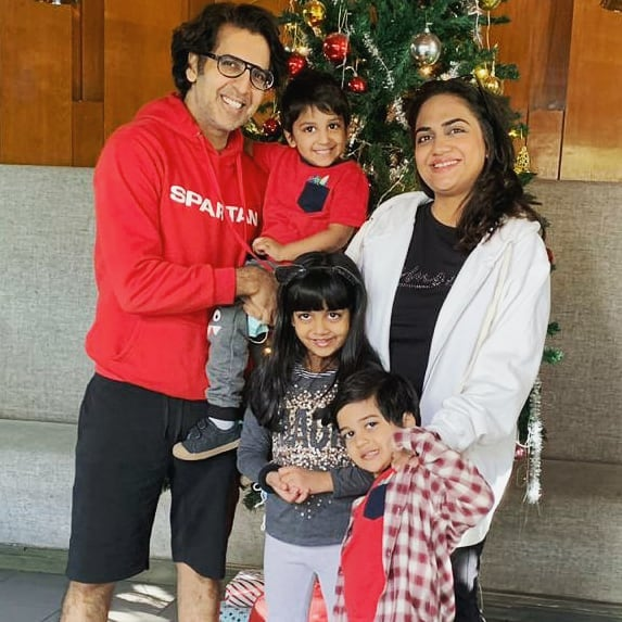 Khalid Malik Beautiful Pictures With Family