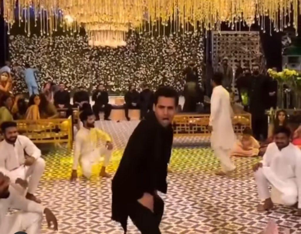 Momin Saqib Energetic Dance Performance At A Recent Wedding
