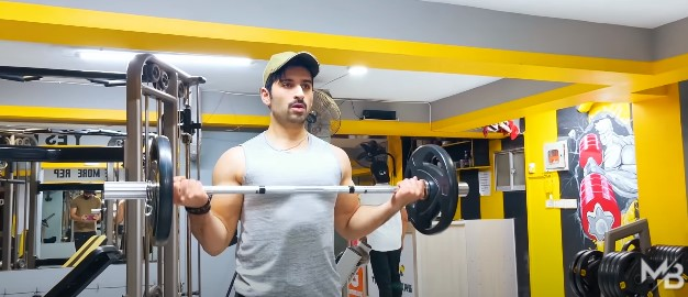 Muneeb Butt's New Vlog Is All About Weight Loss