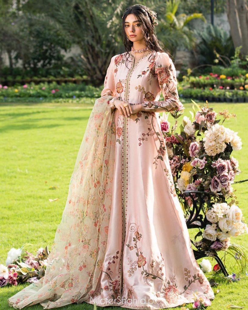 Meeras By Nilofer Shahid Featuring Noor Zafar Khan