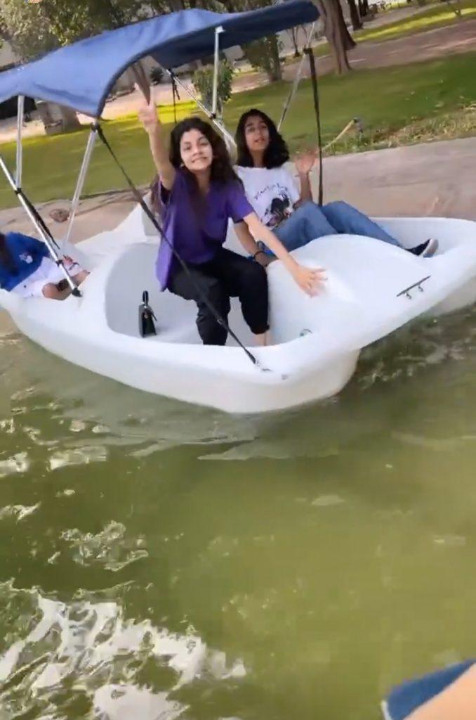 Saba Qamar Recreational Time With Family