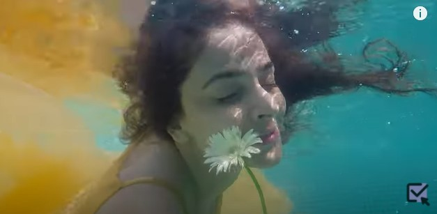 "Saba Qamar Is Back With Another YouTube Video ""Chingariyan"""