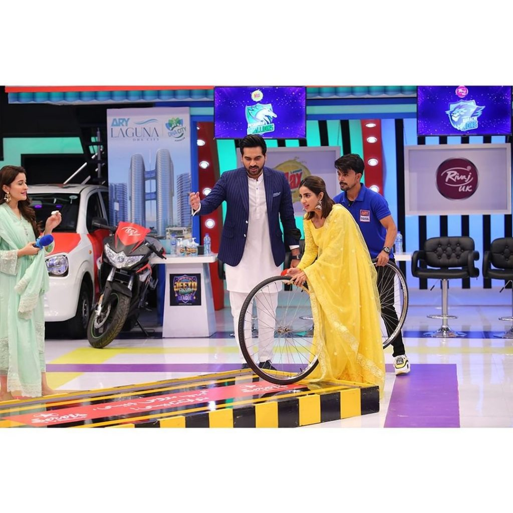 Saboor Aly And Shafaat Ali's Glimpse From The Set Of JPL