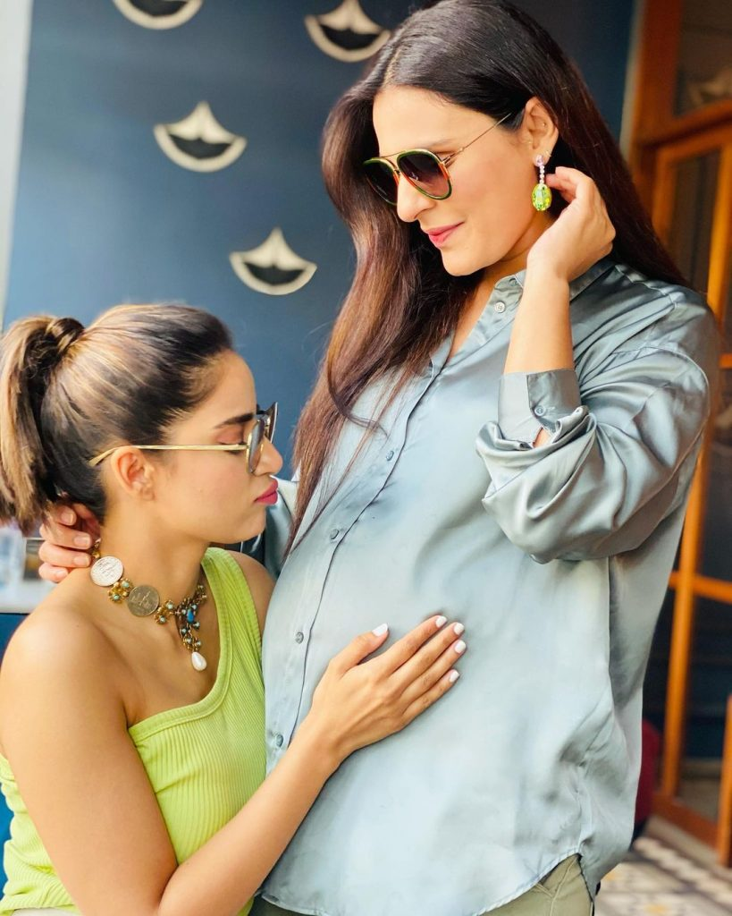 Sadia Ghaffar And Hassan Hayat Expecting Their First Child