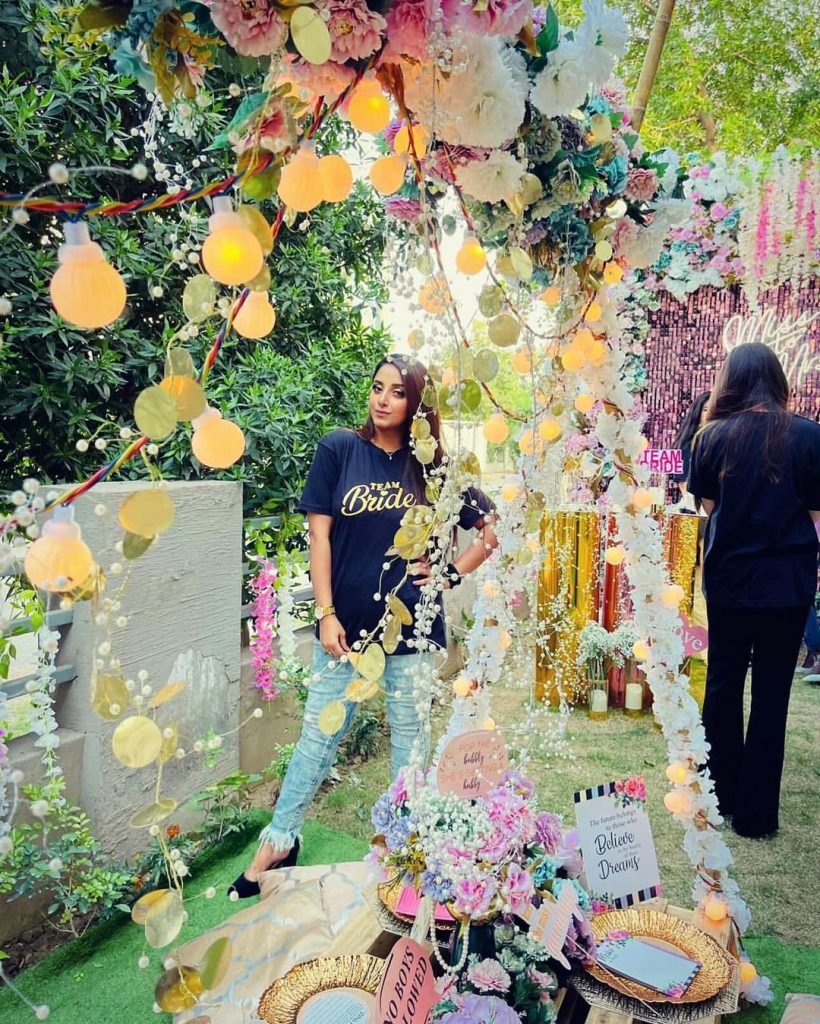 Sanam Chauhdry Spotted At Her Friend's Bridal Shower