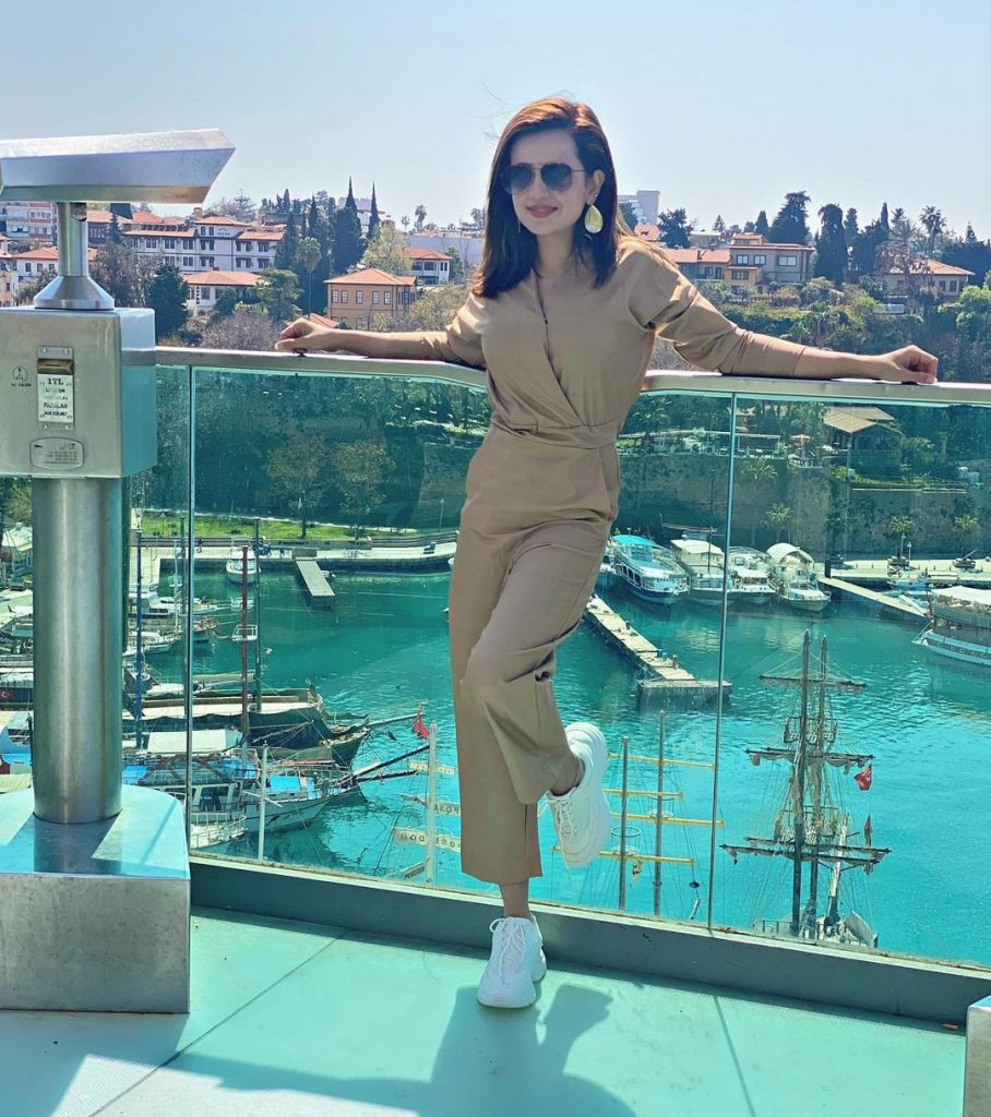 Sumbul Iqbal Beautiful Pictures From Turkey