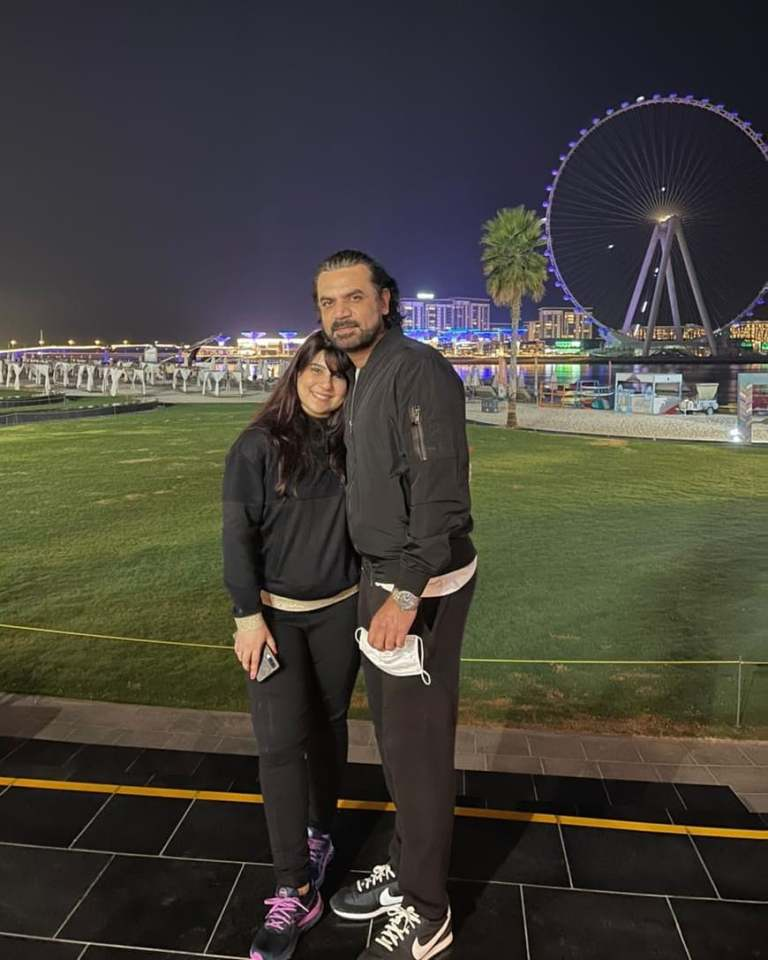 Vasay Chaudhry With His Family - Beautiful Pictures