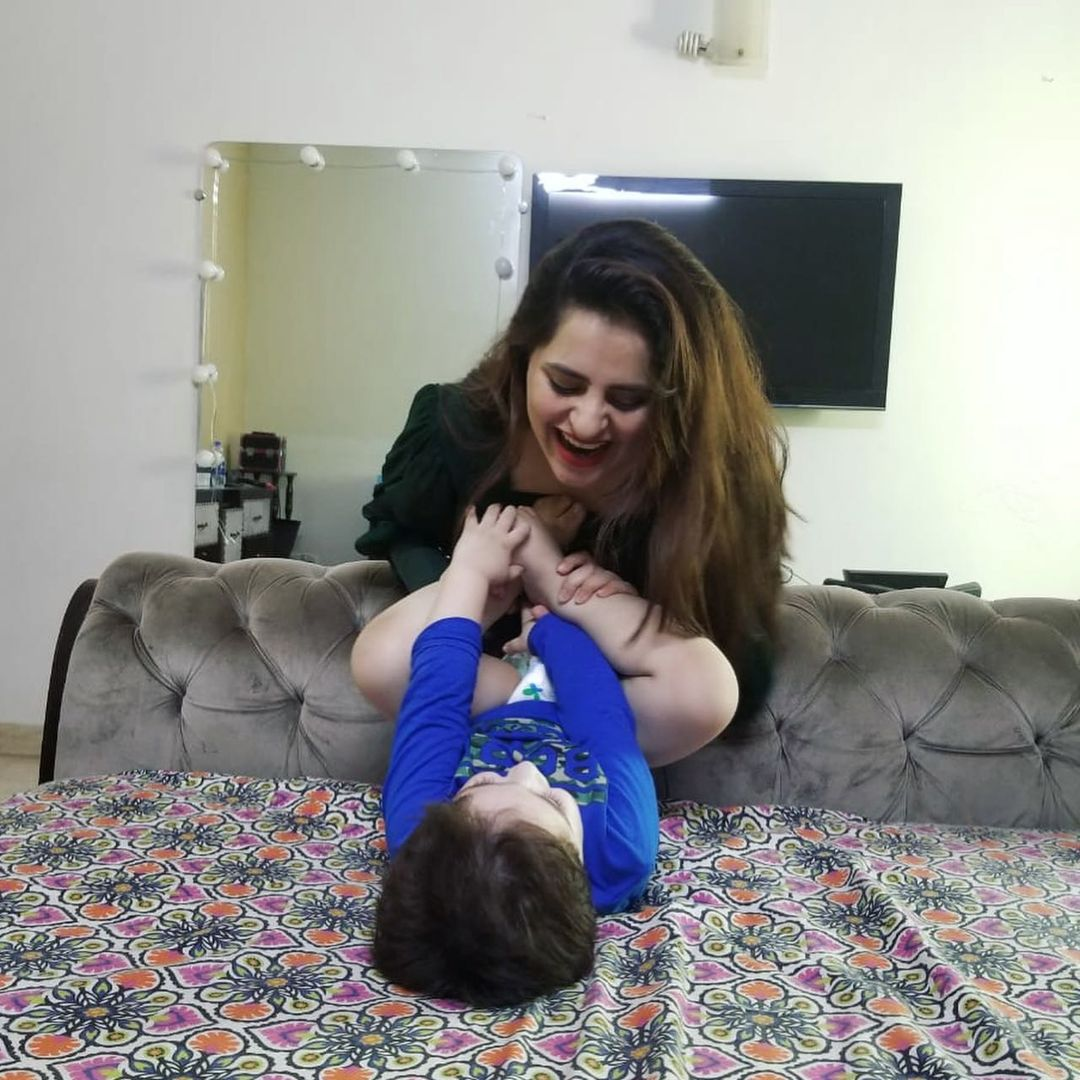 Latest Pictures of Fatima Effendi with her Cute Sons