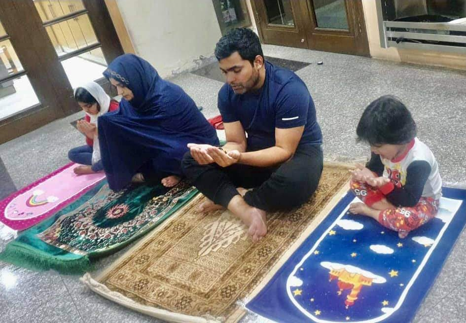 Umar Akmal Family Pictures