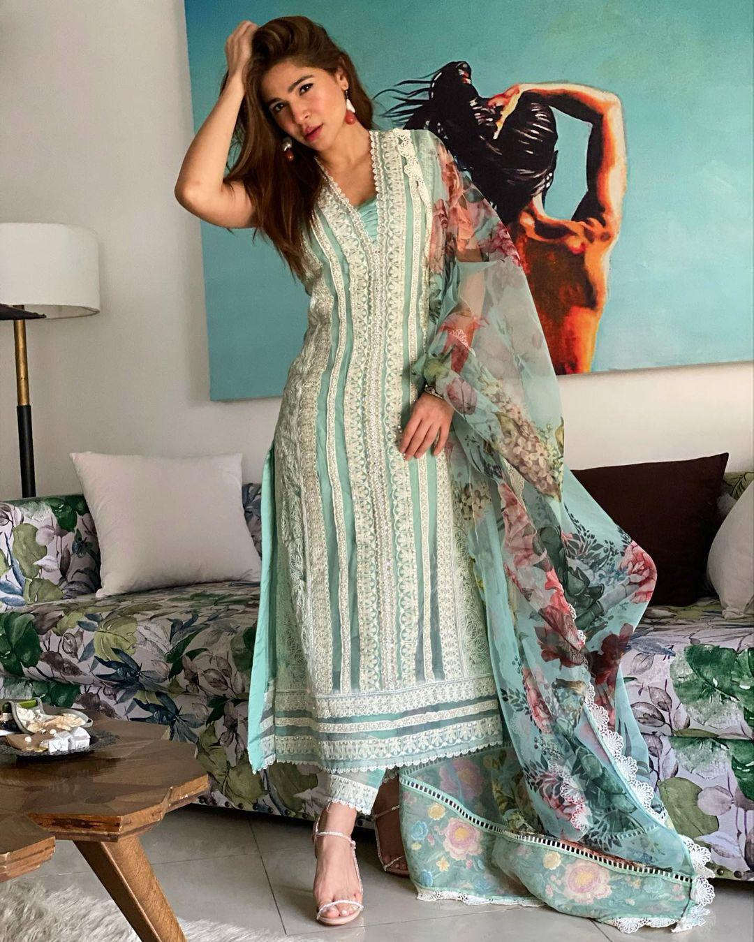 Beautiful Pictures Of Pakistani Celebrities Celebrating Eid-ul-Fitr 2021 - Day 3