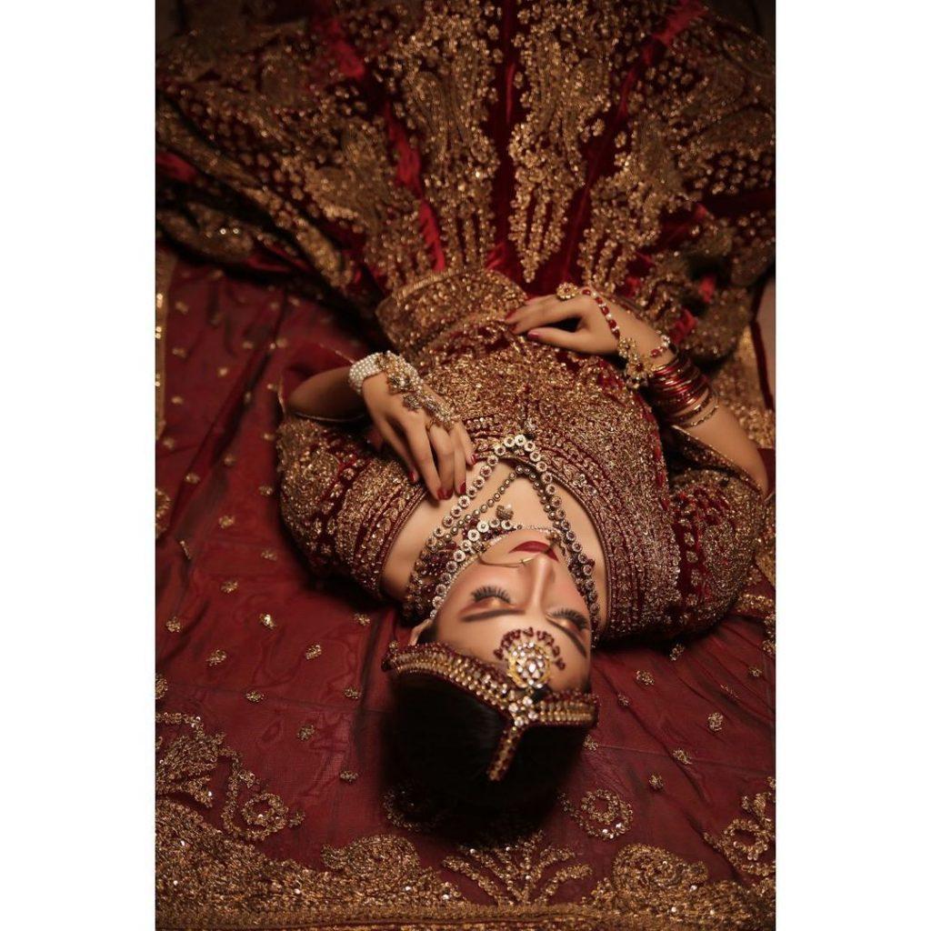 Ayeza Khan Looks Regal In A Traditional Bridal Attire