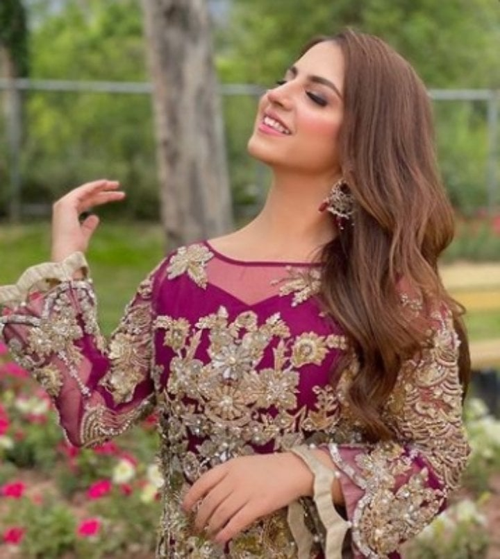 Dananeer Mobeen Looks Stunning As She Got Dolled Up For A Shoot