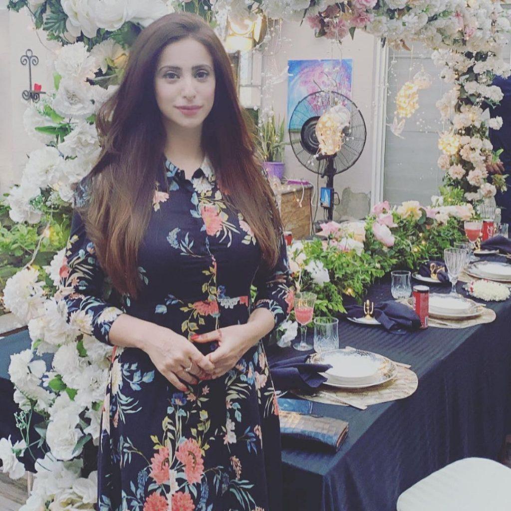 Noor Bukhari Gave A Wonderful Birthday Surprise To Her Sister