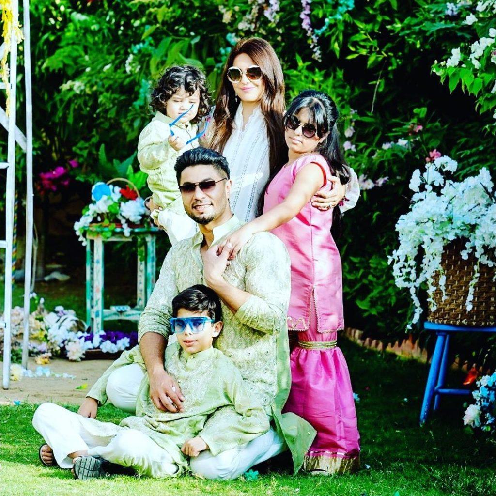 Hasan Rizvi With His Family- Adorable Eid Photoshoot
