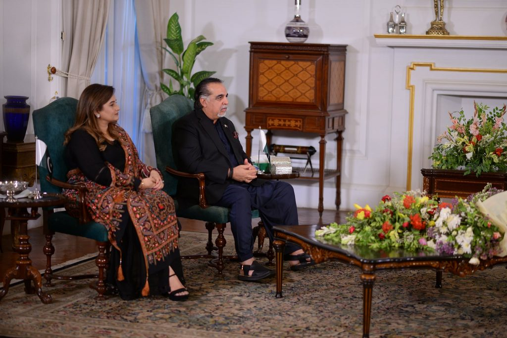 Beautiful Pictures Of Mr. And Mrs. Imran Ismail From Shan-e-Suhoor
