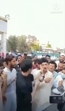 Here Is Why Iqrar-ul-Hassan Slapped A Man Publicly