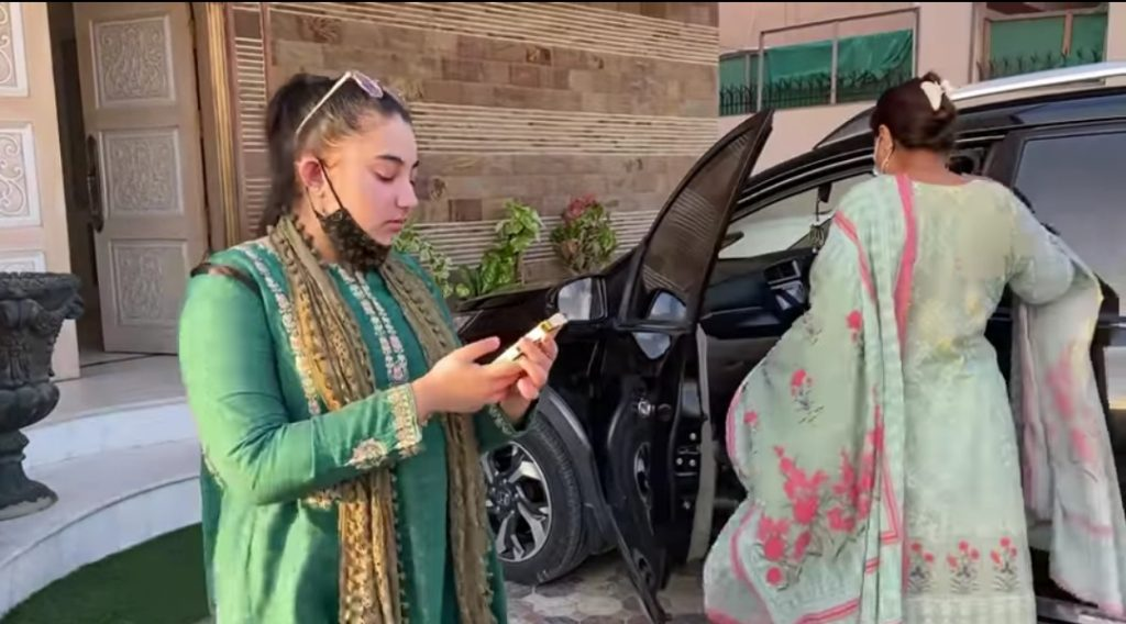 Javeria Saud Shopping With Daughter and Mother - Vlog