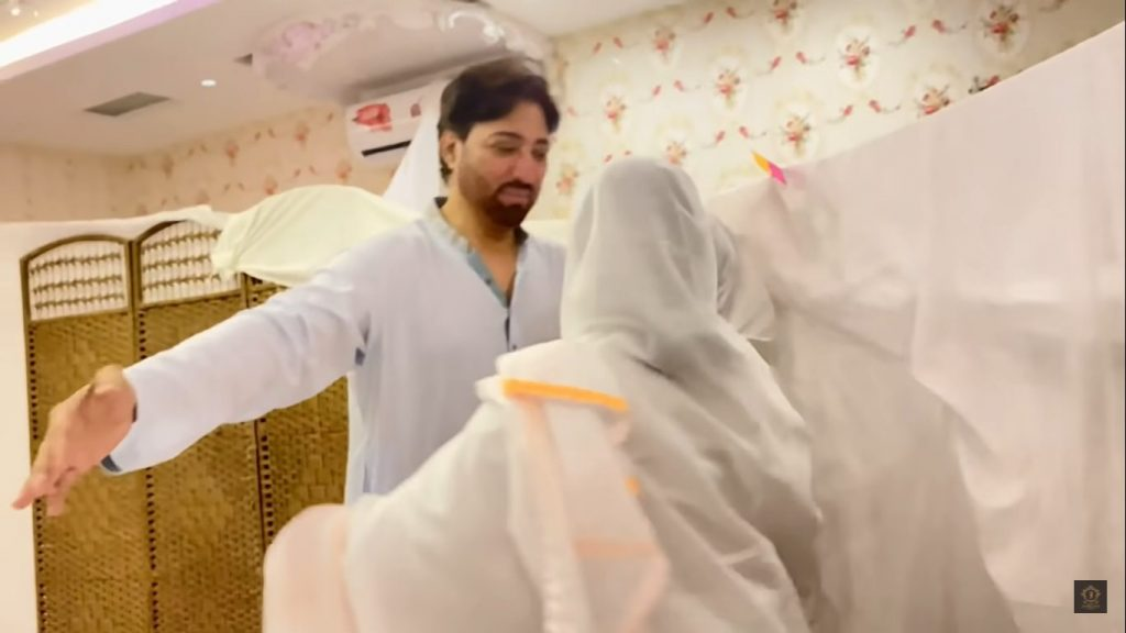 Pictures And Videos Of Javeria Saud And Jannat After Performing Aitkaf