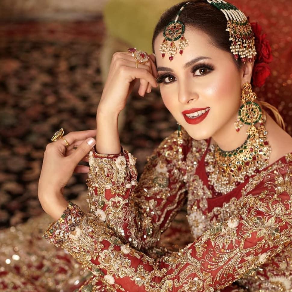 Nimra Khan Looks Regal In A Deep Red Bridal Ensemble