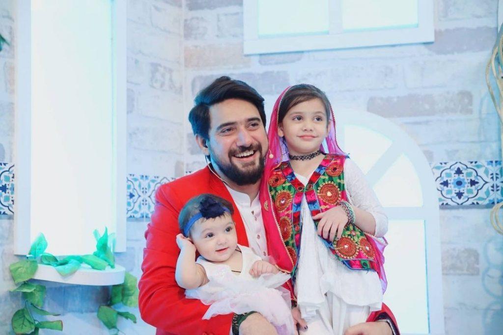 Beautiful Pictures Of Reema Khan With Farhan Ali Waris's Daughters