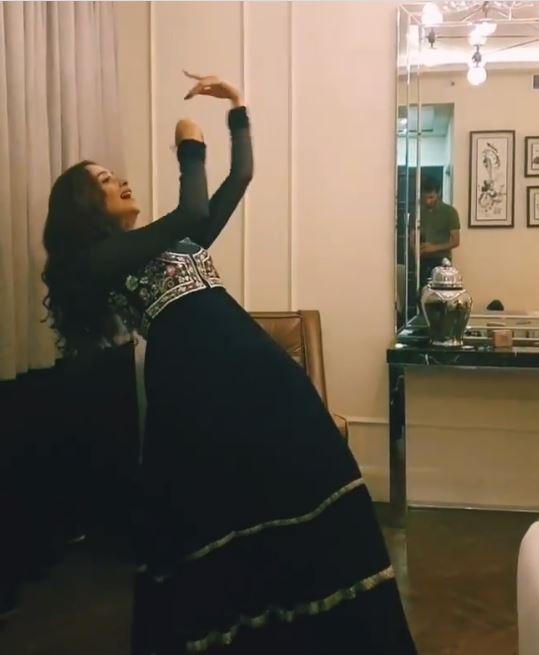 Public Reaction On Zarnish Khan's Recent Dance Video