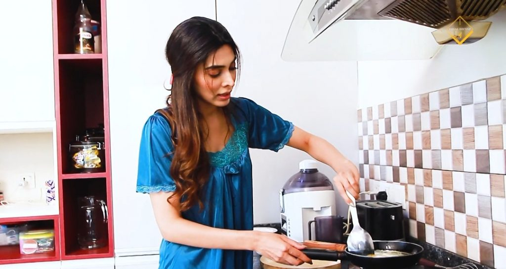 Eshal Fayyaz Shares Her Breakfast Routine With Fans