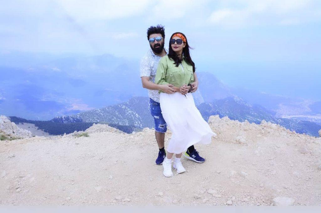 Nida Yasir & Yasir Nawaz Having Fun Time at Olympos Teleferik - Tahtali
