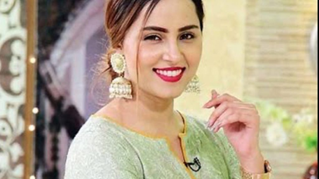 Nimra Khan Faces Backlash On Recent Shoot - Replies to Mean comments