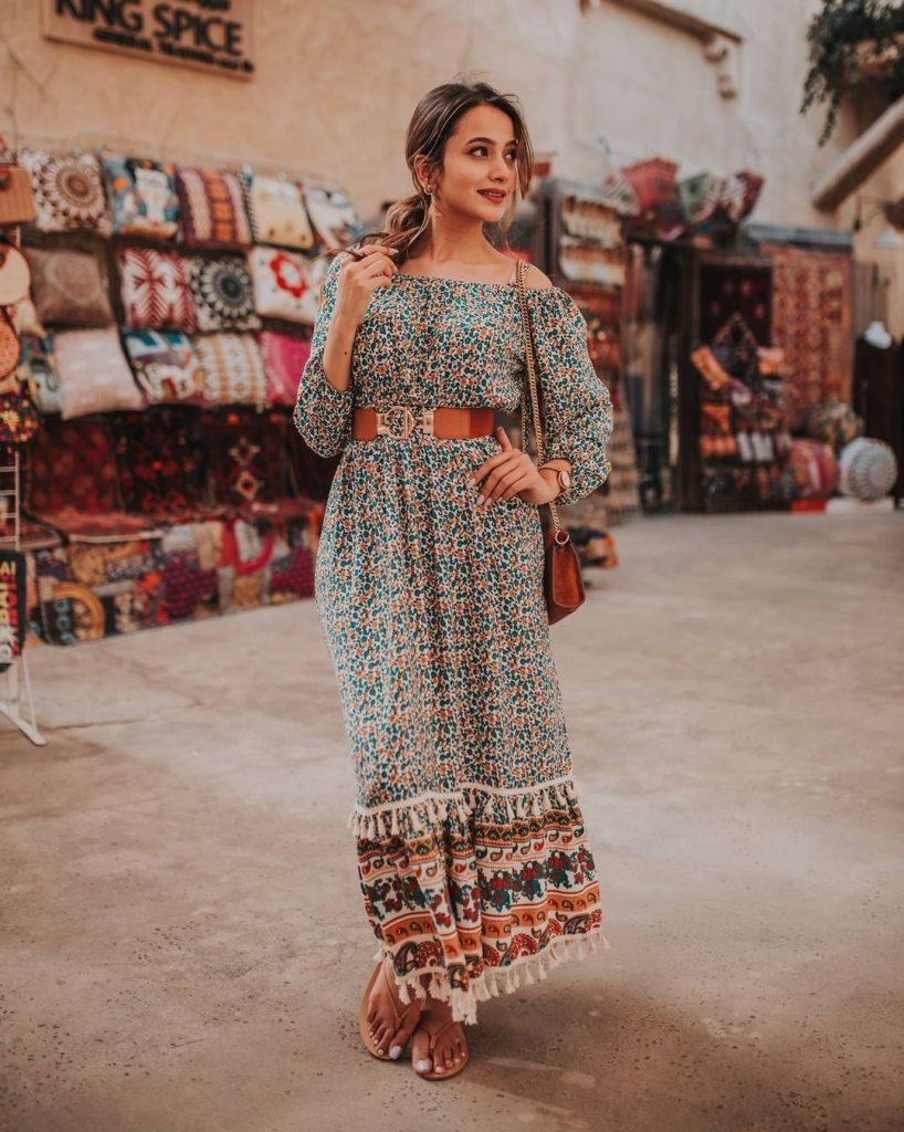 Zarnish Khan's Recent Vibrant Pictures From Dubai