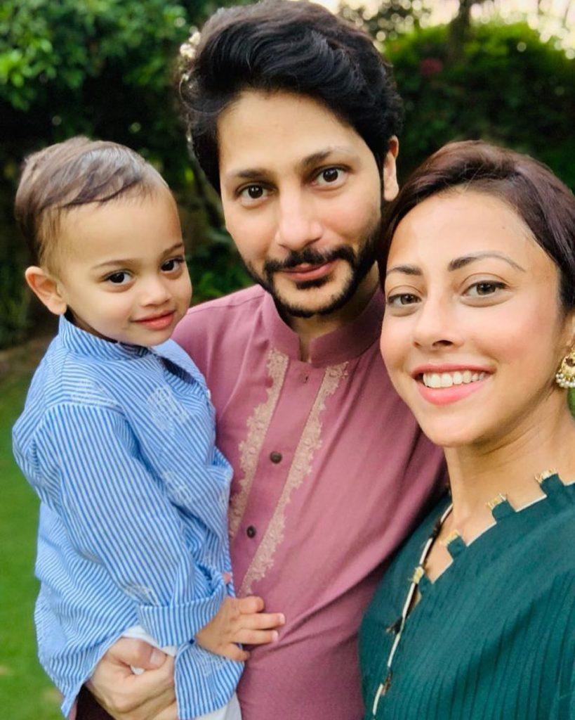 Latest Family Pictures Of Ainy Jaffri Rahman