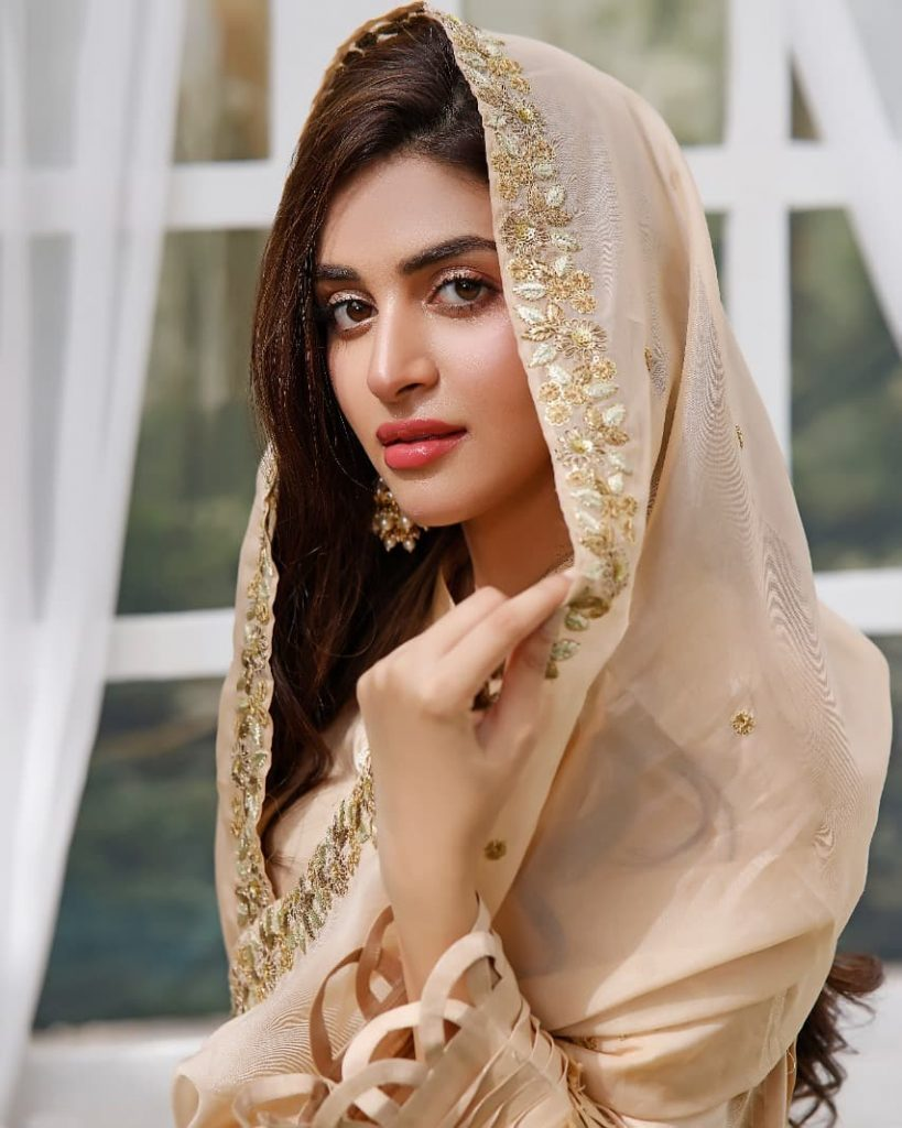 Anmol Baloch Looks Radiant Like Never Before In Her Recent Shoot