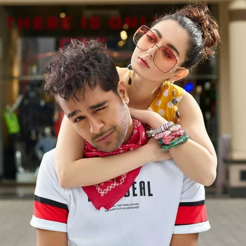 Ayeza Khan Has An Advice For Hania Aamir And Asim Azhar