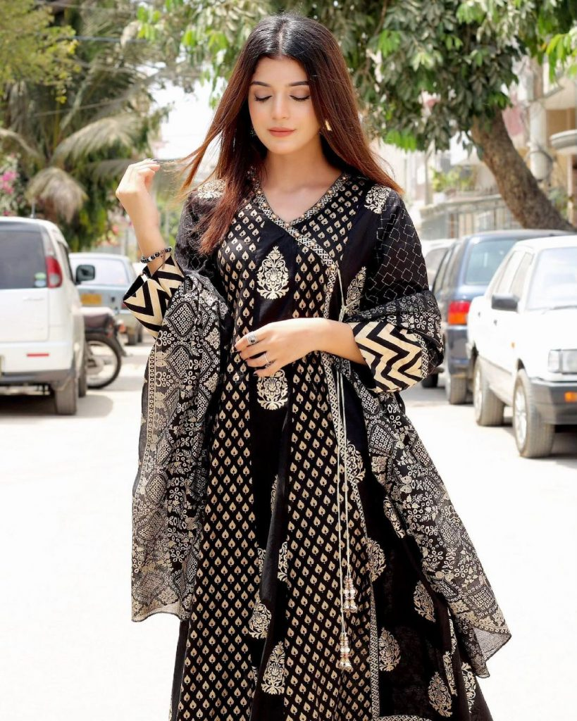 Latest Beautiful Pictures Of Actress Laiba Khan