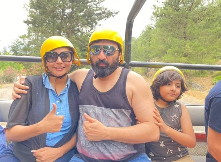 Latest Vacation Pictures Of Nida And Yasir From Antalya Turkey