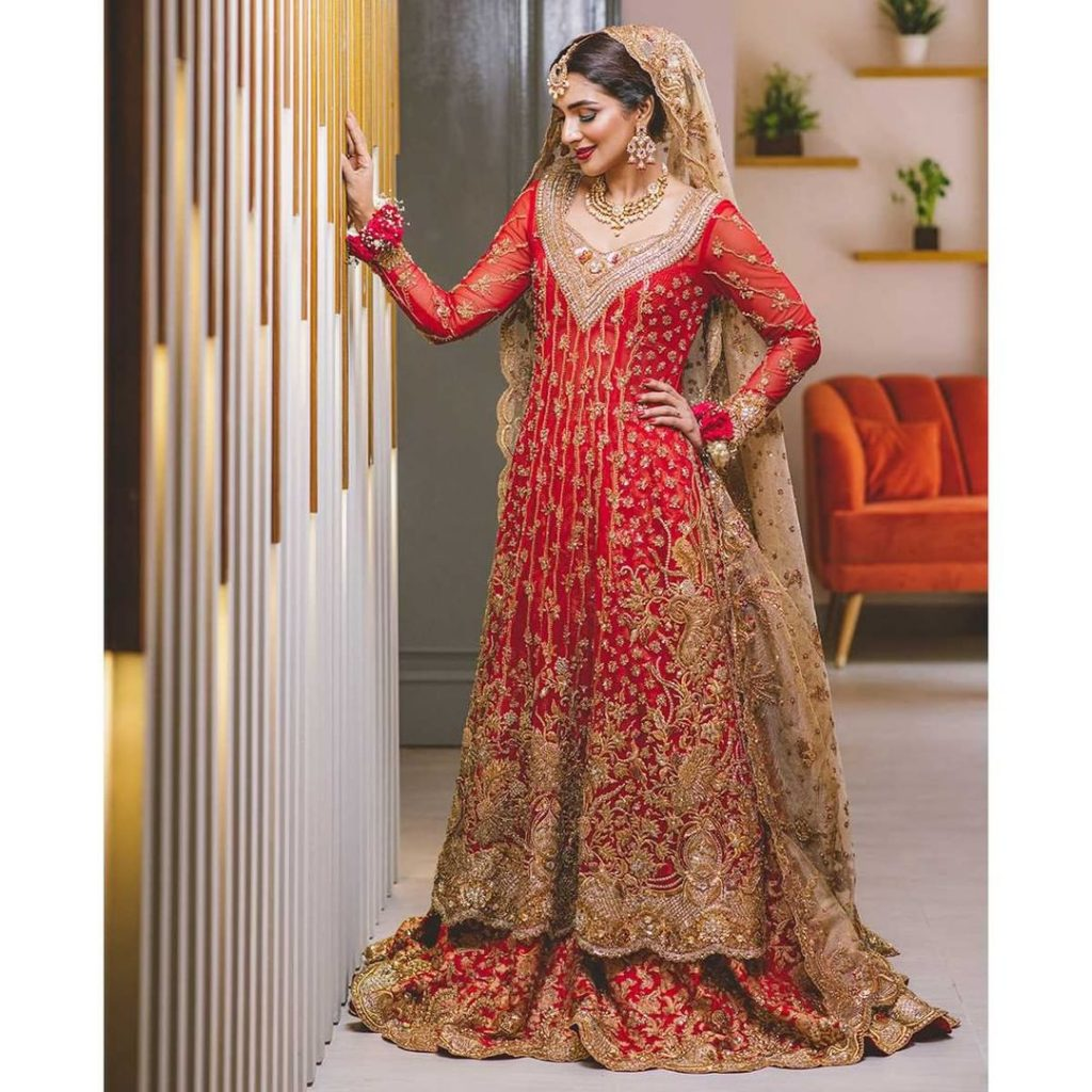 Rabab Hashim Stuns In Tena Durrani's Bridal Wear