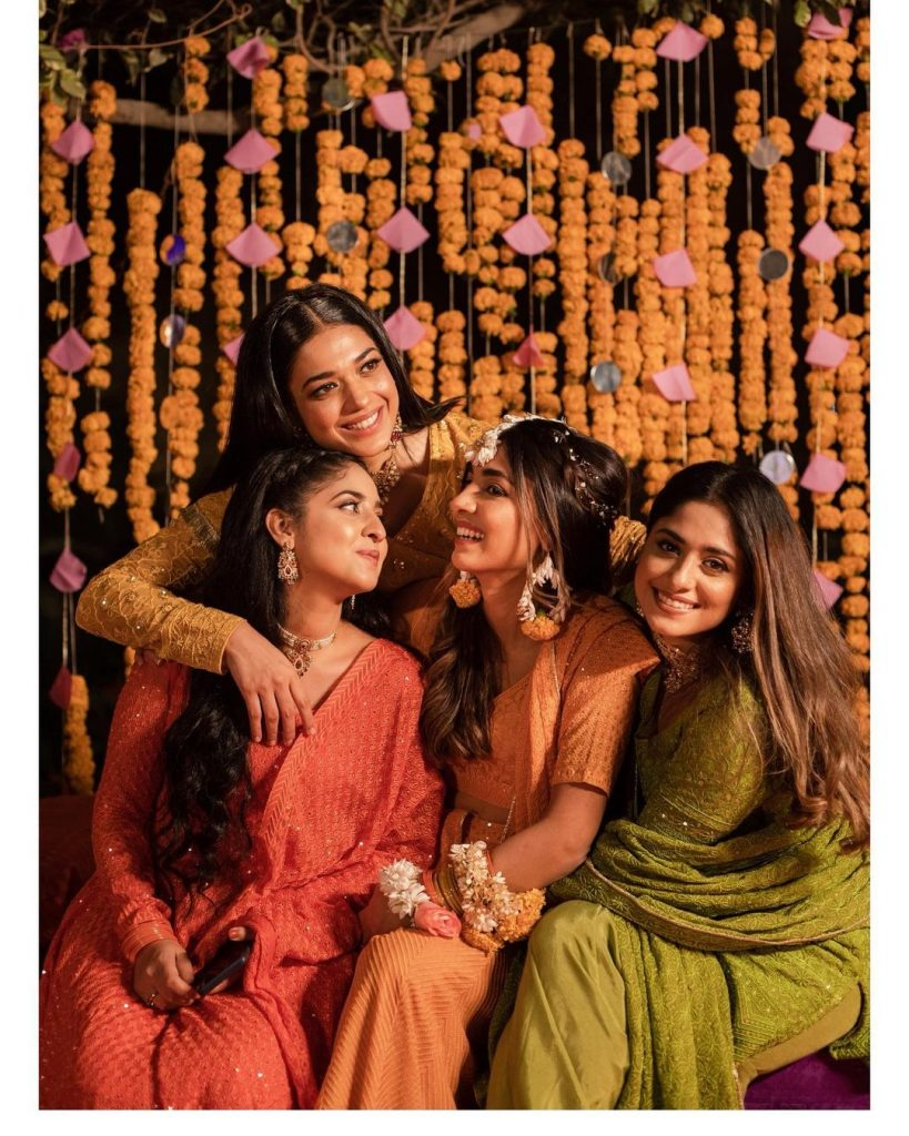 Sanam Jung Shares An Adorable Bond With Her Sisters